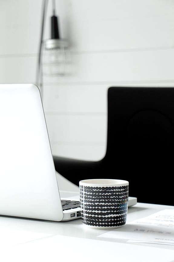 Det obligatoriska kaffet - i mugg från Marimekko
