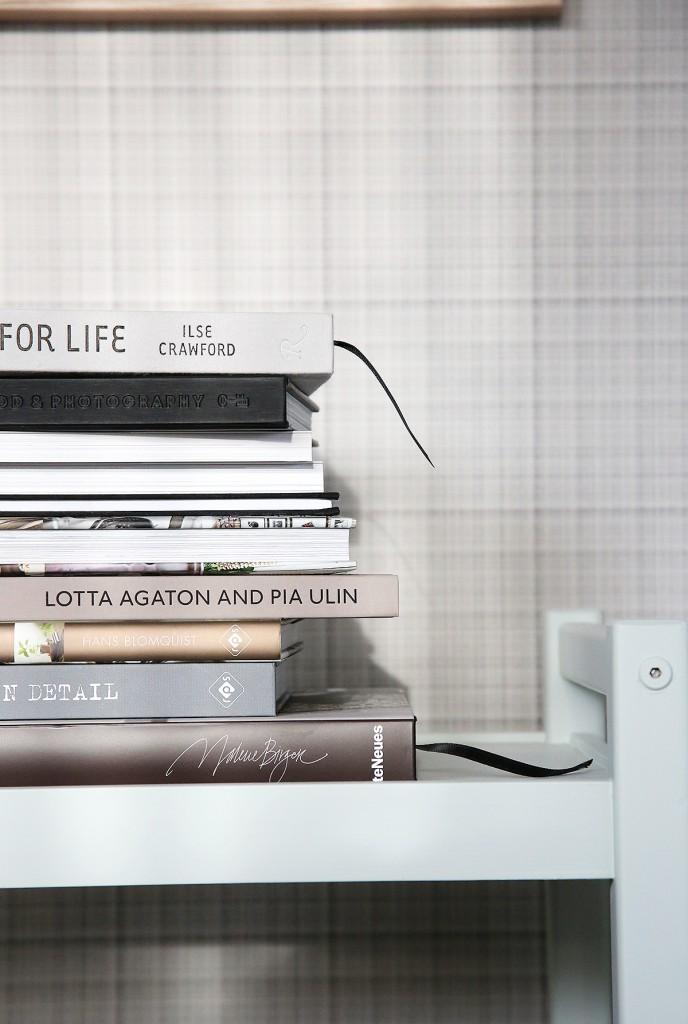 En trave med böcker - fixaodona.se