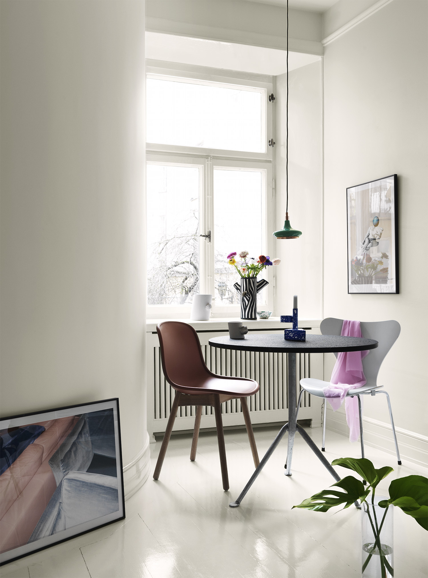 Ny färgkarta från Alcro ad.white & grey